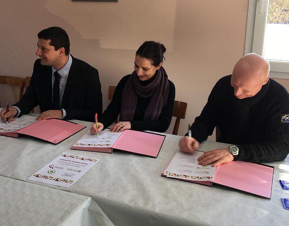 Signature de la charte Agrilocal avec Florian Bouquet Président du Conseil Général du Territoire de Belfort